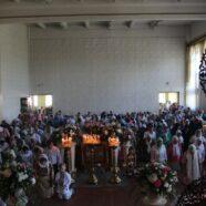 Святкове богослужіння в день П'ятидесятниці в тимчасовому храмі святого пророка Іллі м. Каменя-Каширського